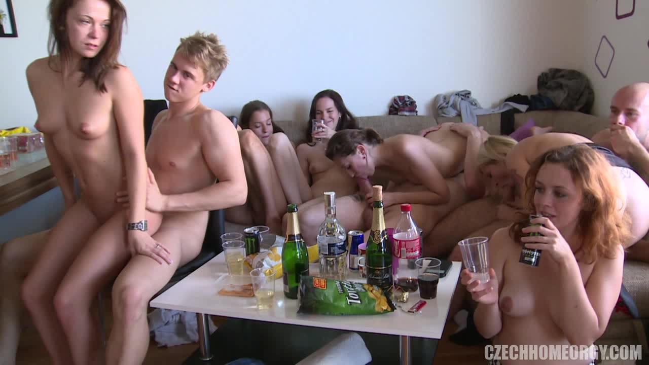 Смотреть чешскую оргию на квартире фото 753-346