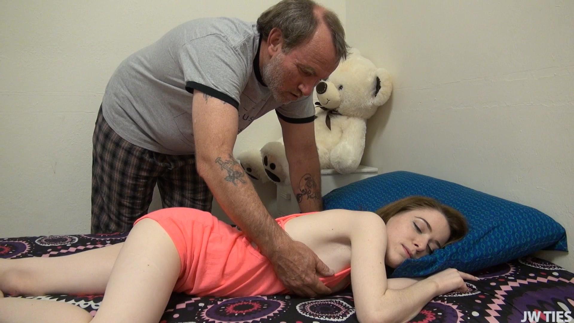 Нахабино секс видео старик с молодухой парни