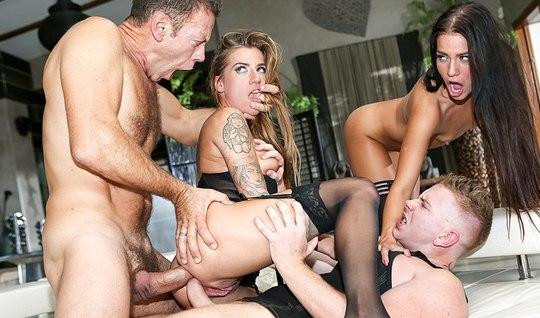 Рокко решает вмешаться в анальный секс молодого парня и девок